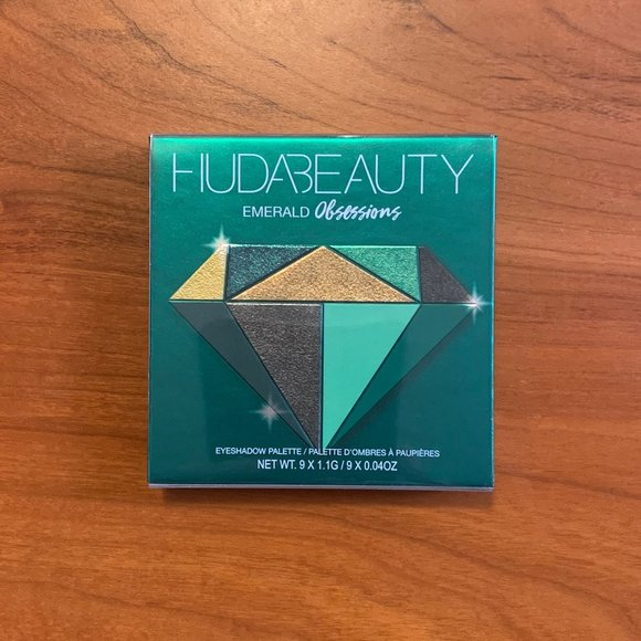 HUDA BEAUTY Obsessions Palette in Emerald
